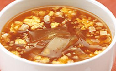 日清食品の食べるダイエットスープ「カミングダイエット」